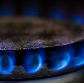 Gas: © Suto Norbert  Dreamstime.com