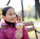 Cellulari e giovani: a sette anni già con il telefonino