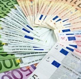 Prestiti: © Marian Mocanu  Dreamstime . com