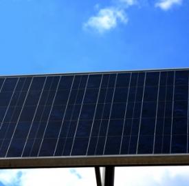 Gli incentivi per gli impianti fotovoltaici © Chiakto  Dreamstime . com . jpg