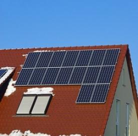 Fotovoltaico integrato © Suto Norbert  Dreamstime .com