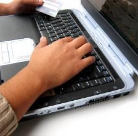Tariffe elettricità, attivarle online conviene
