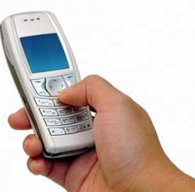 A 11 anni il primo cellulare