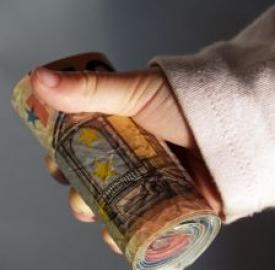 Ardua la scelta fra conti correnti postali o bancari