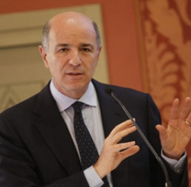 Il ministro Corrado Passera
