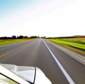 """Assicurazione auto, al via """"guida accompagnata"""""""