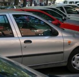 Assicurazione auto 2012: spiragli di risparmio