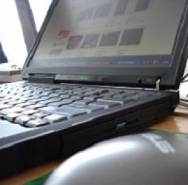 Servizi on line, poco e-commerce in Europa