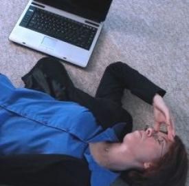 Smartphone,tablet, pc: dannosi per collo e schiena