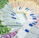 Rischi e costi delle carte di credito © Marian Mocanu  Dreamstime . com