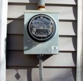Federconsumatori: aumenti record per luce e gas