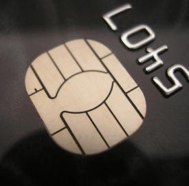 Acquisti con le carte di credito in aumento