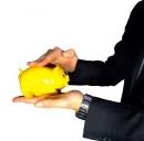 Le banche limitano ancora i prestiti