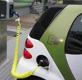 RCA sulle auto elettriche: si risparmia fino al 50%