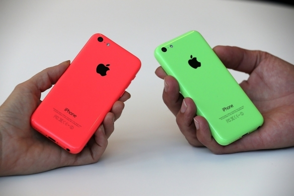 iphone 5C vs Iphone5S, le donne preferiscono 5C.