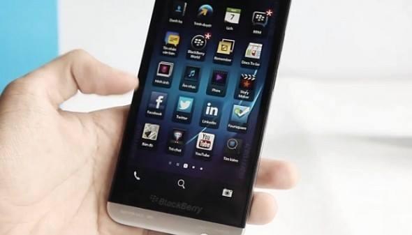 Nuovo Blackberry Z30, caratteristiche e prezzo