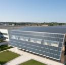 Pannelli solari su edificio industriale