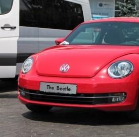 L'auto sempre più bene di lusso per gli italiani