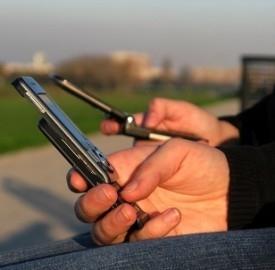 Cellulari, credito omaggio in palio con Vodafone
