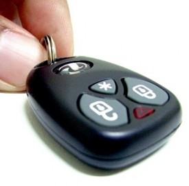 Assicurazione Rc Auto, la polemica continua e si inasprisce