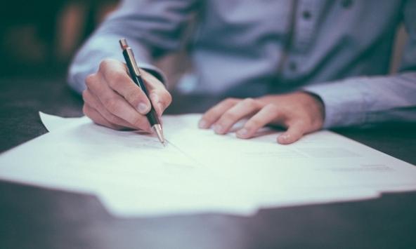 Assicurazioni Contraffate: Cosa Sapere