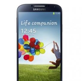 Samsung Galaxy S4 in offerta disponibile nei colori nero e bianco