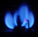 Bollette, aumenta la luce, sconti sul gas