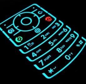 Custodie e rimedi d'emergenza per salvare lo smartphone da un bagno in acqua