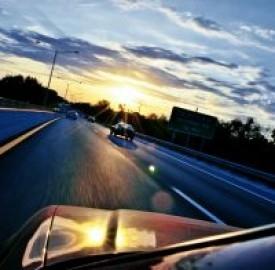 Assicurazione auto: risparmiare acquistando solo la polizza rc obbligatoria