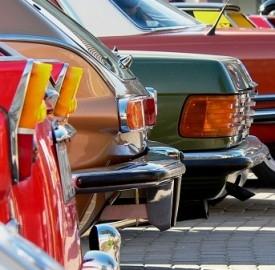 In Italia sempre più auto vecchie e ammaccate, si compra sempre meno