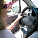 Donne al volante, pericolo costante