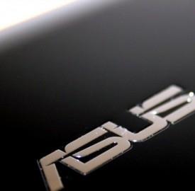 Tablet Asus MeMO Pad FHD 10disponibile nei negozi a 299 e 399 euro