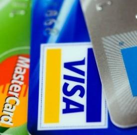 Carte di credito revolving in forte calo secondo l'ultimo rapporto Assofin.