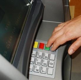 Clonazione di bancomat: come difendersi