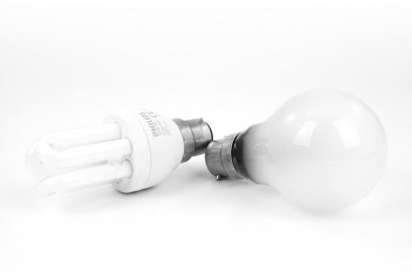 Bollette luce 2014: prezzi alti, utenze.