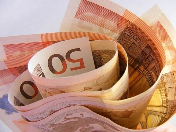 L'Italia risparmia: più soldi sui conti correnti