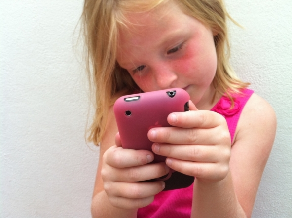 Bambini e cellulari: istruzioni per l'uso