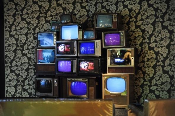 Gli utenti della tv generalista diminuiscono