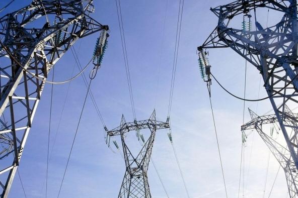 Diminuisce consumo energia, aumentano rinnovabili
