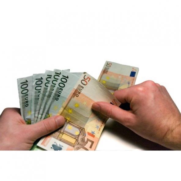 Gli italiani chiedono prestiti per pagare i debiti