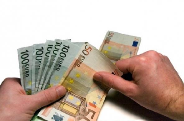 Calano gli importi dei prestiti