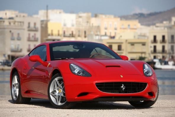 Assicurazioni auto:Fiat Panda e Ferrari California