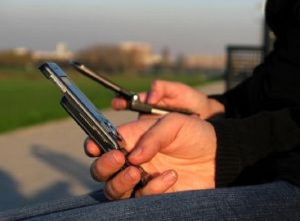 Cellulari in lotta contro l'analfabetismo