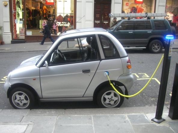 Auto elettriche: possibile risparmiare fino al 20%