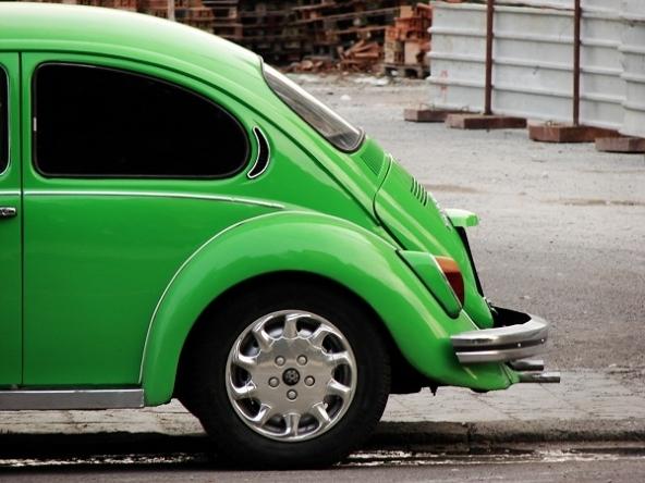 Auto vecchia? Assicurazione auto costosa