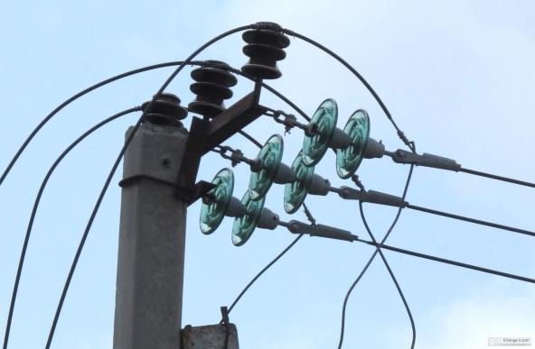 Istat, segno meno per consumi di luce e gas