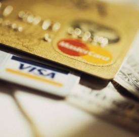 Carte di credito: in calo i costi