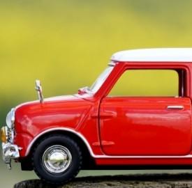 Scopri quali sono i limiti di potenza in materia di guida per i neopatentati.