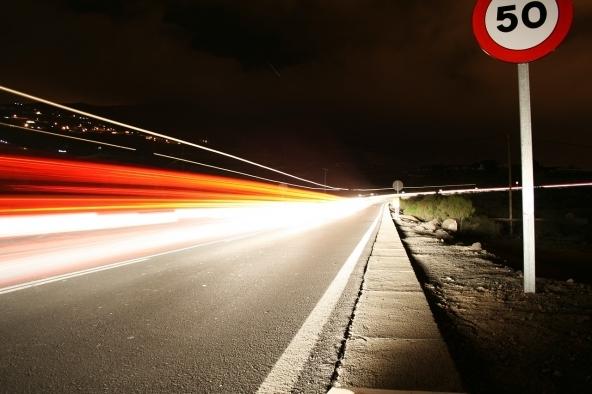 Nei centri abitati il limite è di 50 km/h