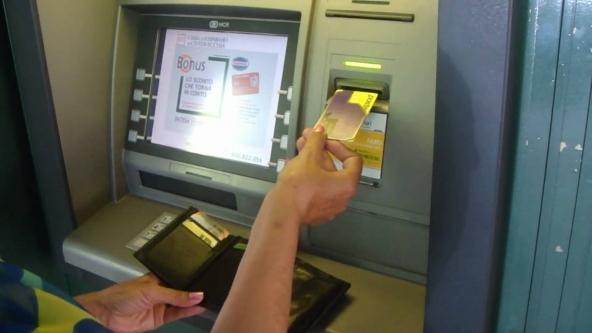 Prelievo sportello bancomat